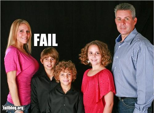 Awkward Family Photo Win for the Dad