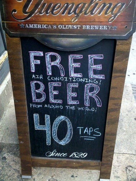 Free Beer Airconditiong Bar Sign